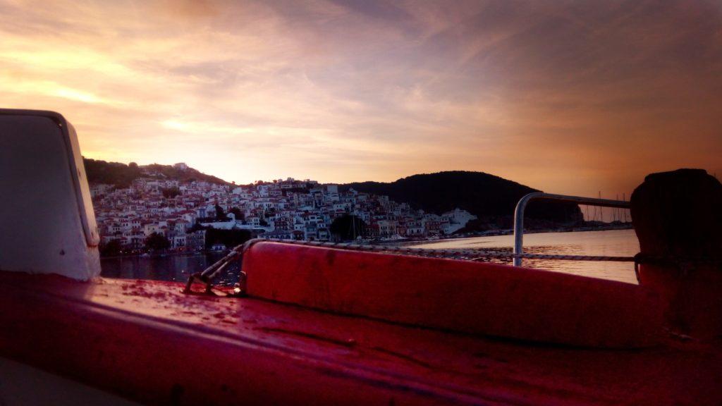 Nacht in Skopelos Stadt Night - Platon Kiriazidis