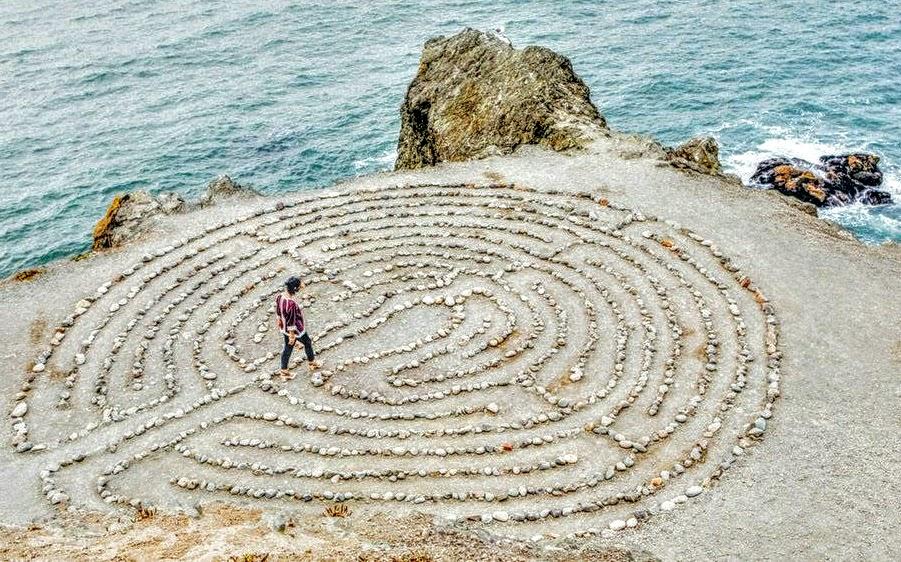 eigenen Weg finden, Labyrith - Platon Kiriazidis