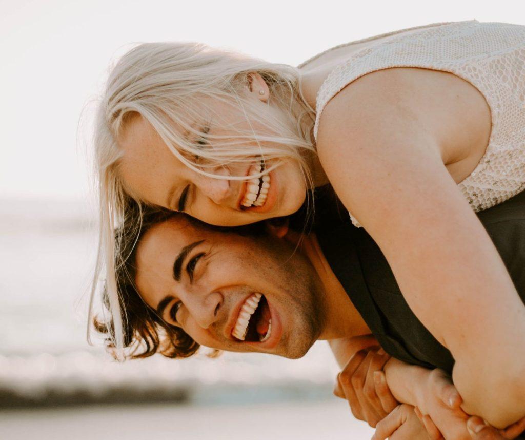 happy ausgelassen zufrieden energetisiert - Platon Kiriazidis