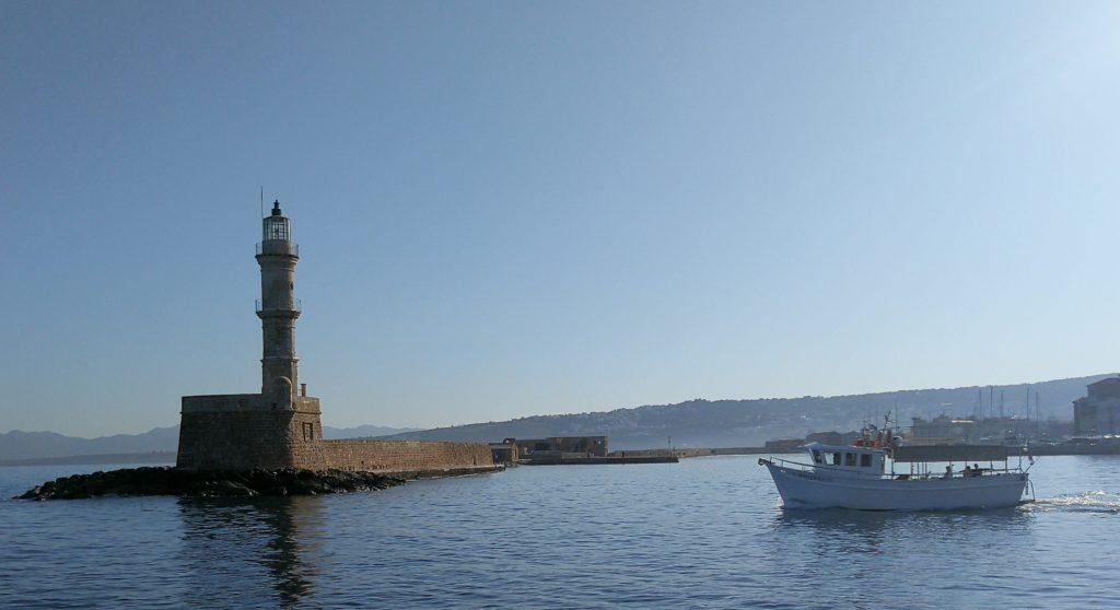leuchtturm und Hafen von Chania_Platon Kiriazidis