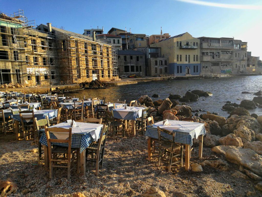 Ein toller Ort, um den Sonnenuntergang zu genießen_Platon Kiriazidis