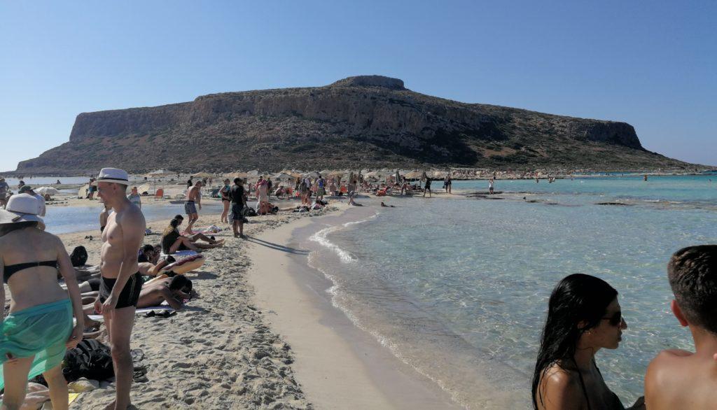 Der berühmte Balos Beach ist selbst gegen Ende der Saison gut gefüllt_Platon Kiriazidis
