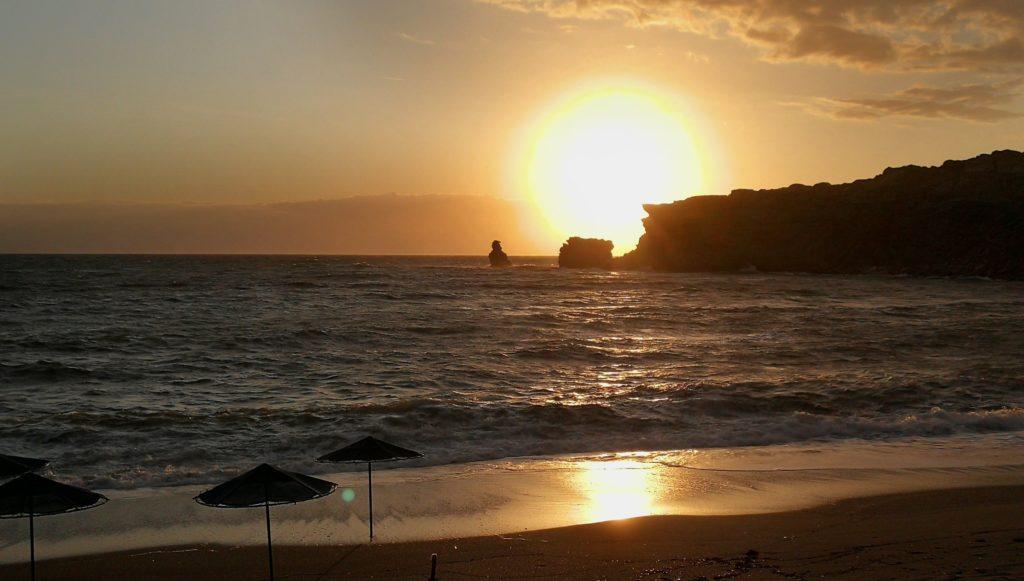 Zweiter Sonnenuntergang in Triopetra, gerne jeden Tag_Platon Kiriazidis