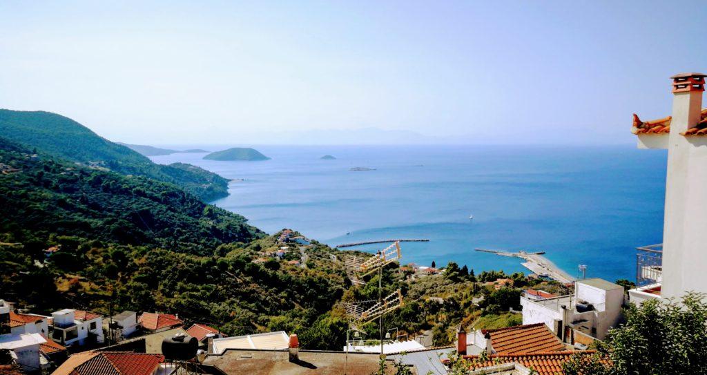 Glossa im Norden von Skopelos ist auch ein lohnedes Reiseziel, voller zauberhaften Ausblicke - Platon Kiriazidis